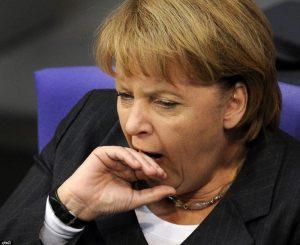 Angela Merkel gähnt