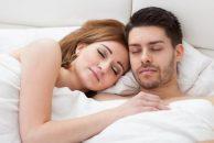ohne kissen schlafen gesund oder ungesund testberichte. Black Bedroom Furniture Sets. Home Design Ideas